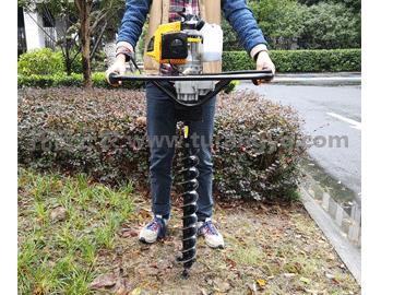电动土壤取样器使用方法分几个步骤